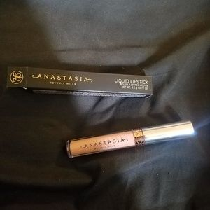 Anastasia liquid lipstick pure hollywood